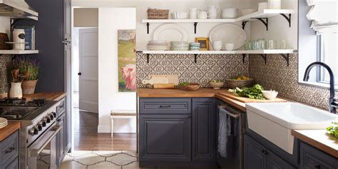 two toned kitchen cabinets pictures ideas from hgtv hgtv two toned kitchen cabinets pictures options tips