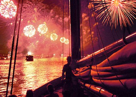 4th of july fireworks cruise classic harbor line - Boat Ride 4th Of July Nyc