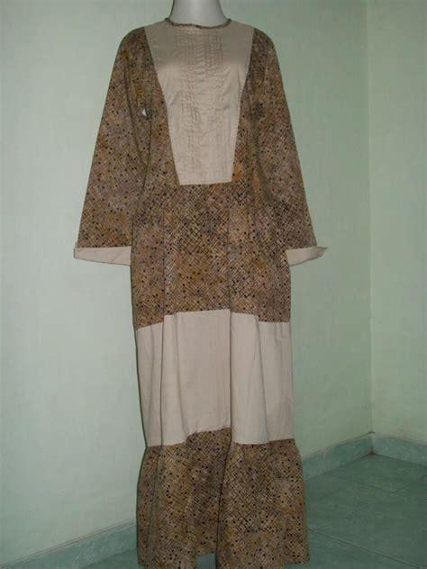 desain baju batik berhijab pakaian batik wanita berhijab desain terkini baju batik