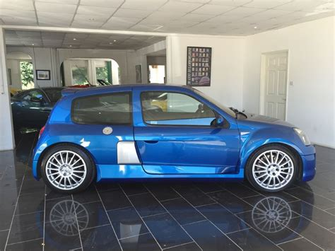 renault blue used illiad blue renault clio for sale west sussex