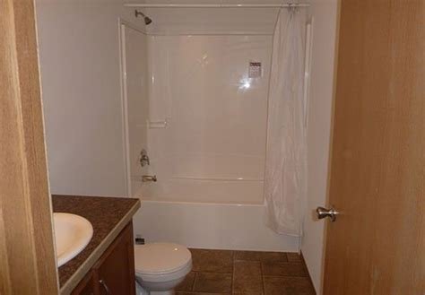 decorating ideas  mobile home bathrooms