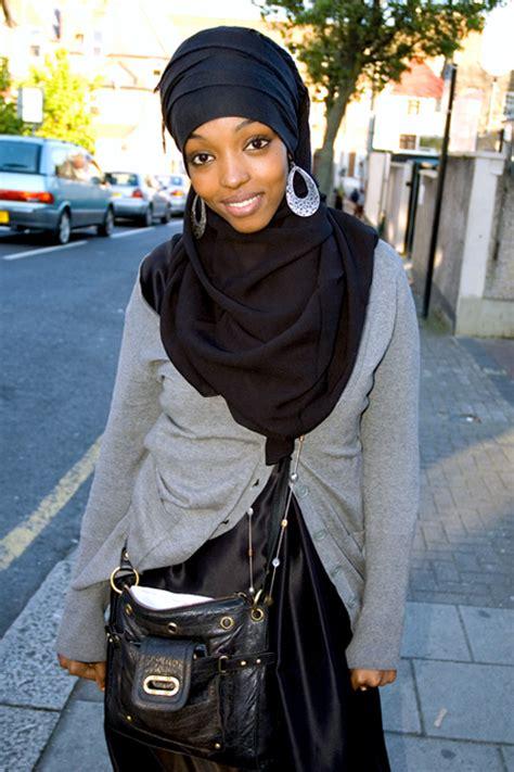 hijabs high hijabs high april 2009