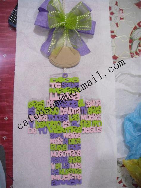 ideas para decorar cruces de madera para baurizo cruz de madera pintada a mano y personalizada excelente
