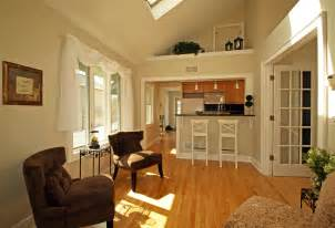 Galerry design ideas for small kitchen family room combinations
