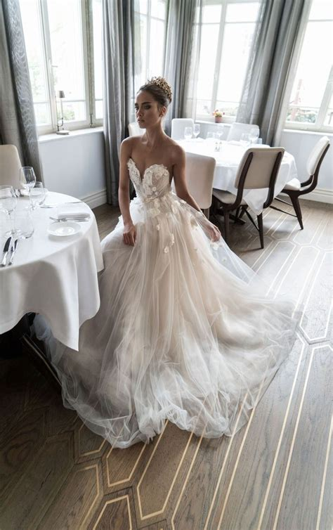 10 Most Gorgeous Brides by Best 25 Beautiful Wedding Dress Ideas On
