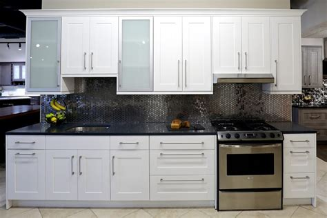white shaker kitchen cabinets white shaker cabinets in stock kitchen cabinets