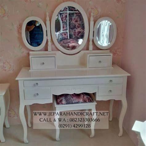 Meja Rias Vintage jual murah tempat tidur anak perempuan putih kanopi