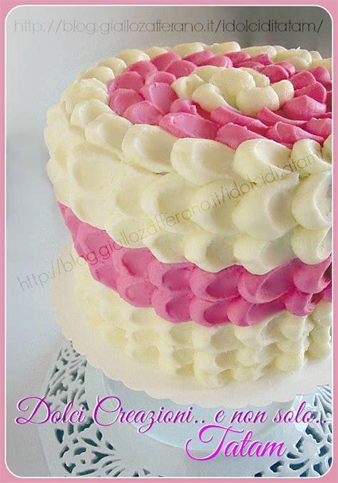 fiori con pasta di zucchero tecnica torta effetto petalo tutorial tecnica di decorazione torte