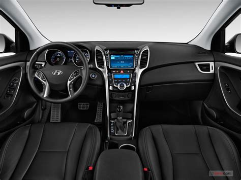 hyundai elantra 2015 interior 2015 hyundai elantra interior u s news world report