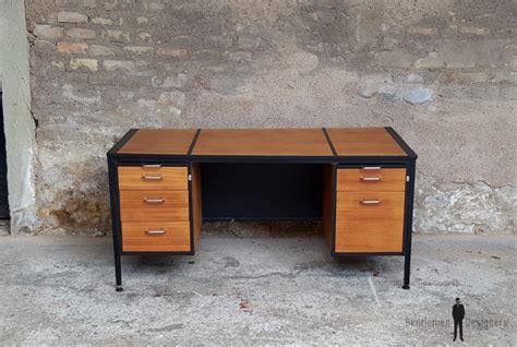 grand bureau bois grand bureau vintage avec tiroirs en bois teck