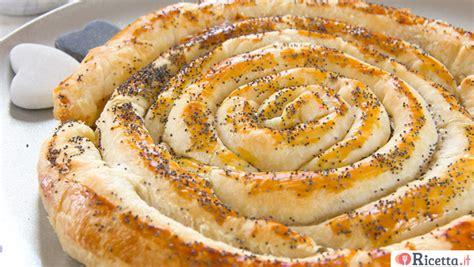 cosa posso cucinare con le melanzane ricetta torta salata a spirale consigli e ingredienti