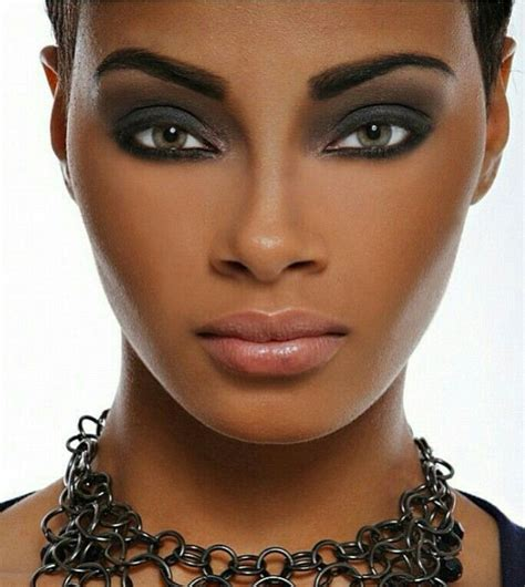 Smokey Gorgeous Skin Get The Glamourous Tools Of The Trade At Mac Fashiontribes by Smokey Eye Makeup For Brown Skin Tone Fay