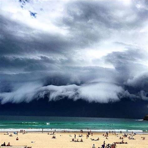 Shelf Cloud Sydney by End Of The World Shelf Clouds Engulf Sydney Strange Sounds