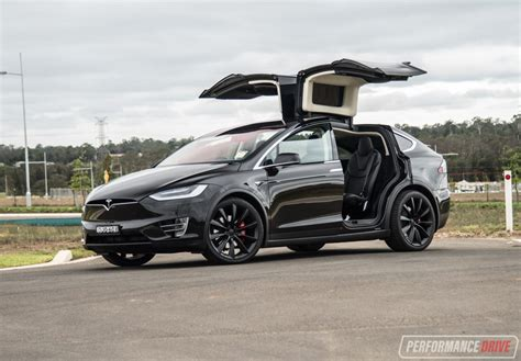 2017 tesla model x p90d review performancedrive