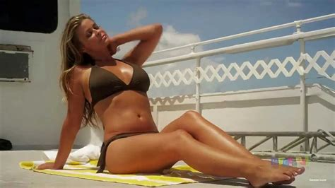 film hot populer best bikini moments in hollywood movies celebrities super