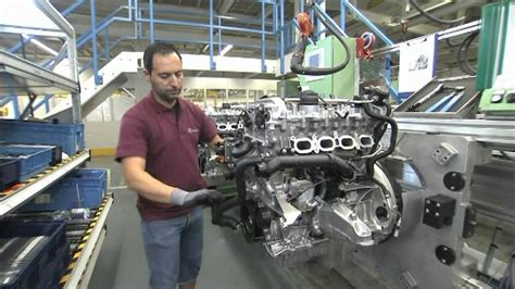 small engine maintenance and repair 2002 mercedes benz cl class engine control mercedes benz plant unterturkheim engine mounting new four cylinder engine youtube