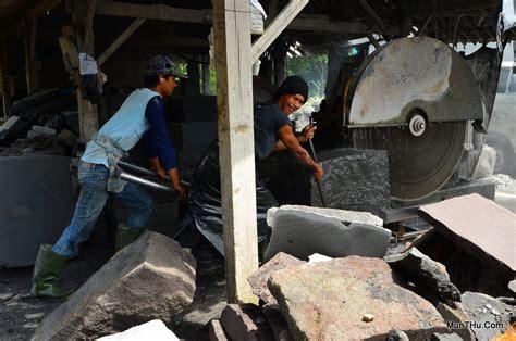 Mesin Gergaji Batu Alam munthu jual kerajinan batu candi merapi ulekan