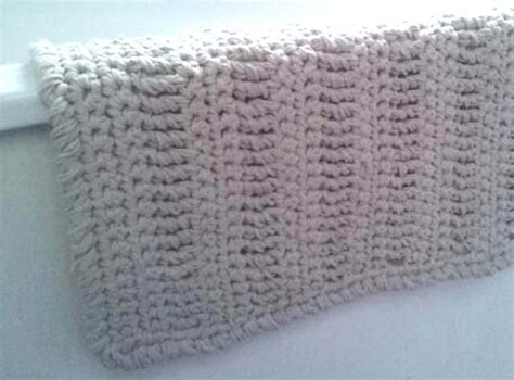 crochet bathroom rug thredhed no splashing out crocheted bath mat