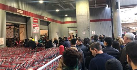 coronavirus panic buying leads  lineups  metro