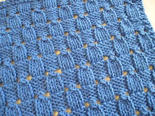 ewenique knits ravelry checks and eyelets facecloth pattern by faith schmidt