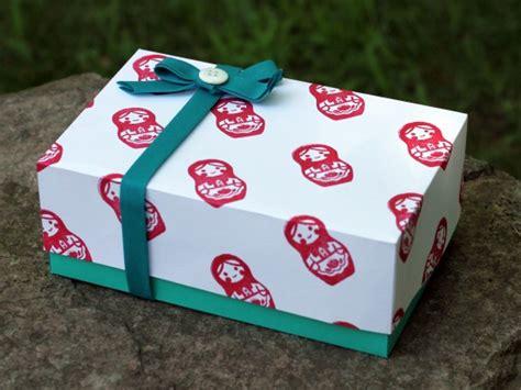 Handmade Gift Box Tutorial - gwenny simple custom gift box tutorial
