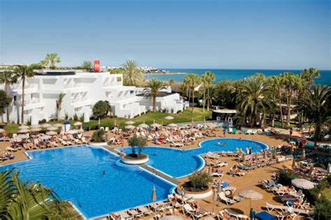 best resorts in lanzarote clubhotel riu paraiso lanzarote resort all inclusive