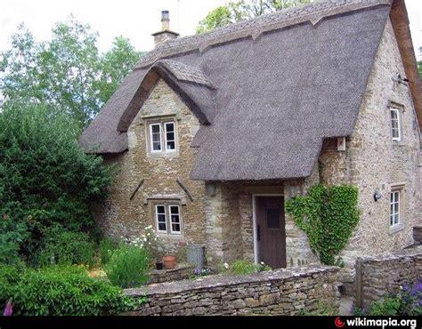 the cottages on elm elm cottage biddestone