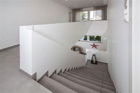 beton fensterbank innen betontreppe innen beton falttreppe beschichtet
