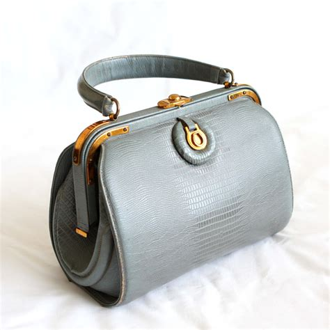 Fashion Doctor Bag Y 1 vintage handbag 60s artcraft purse doctor bag style in gray