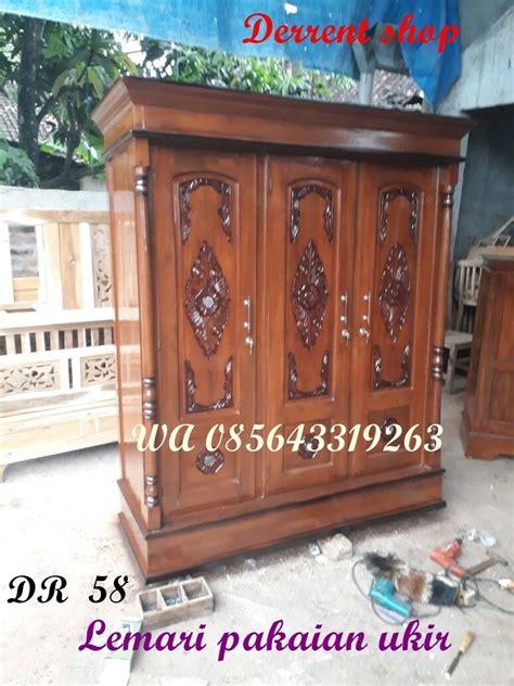 Lemari Kayu Akasia jual lemari pakaian 3 pintu ukir murah dengan seni ukir
