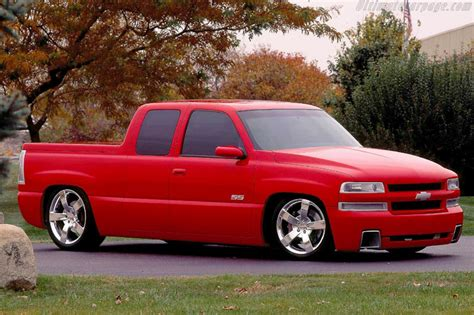 chevrolet silverado ss concept images specifications  information