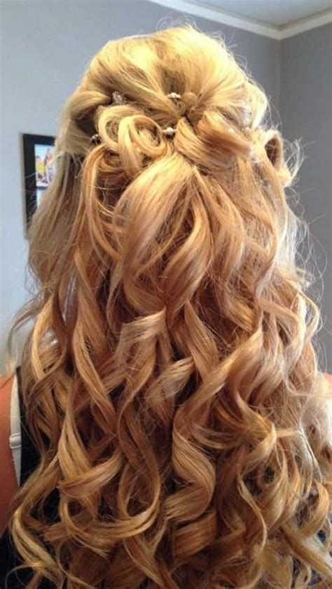 Prom Hairstyles For Curly Hair by 30 Best Half Up Curly Hairstyles Hairstyles Haircuts