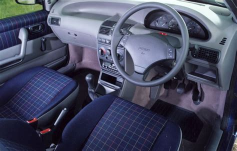 Fiat Punto Interior Accessories by Fiat Punto Hatchback 1994 1999 Features Equipment And