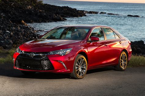 2015 Camry Toyota 2015 Toyota Camry Reviews And Rating Motor Trend