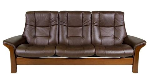 ekornes leather sofa stressless by ekornes stressless buckingham reclining sofa
