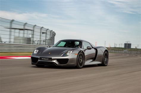 porsche supercar 918 porsche 918 plug in hybrid supercar ends production after