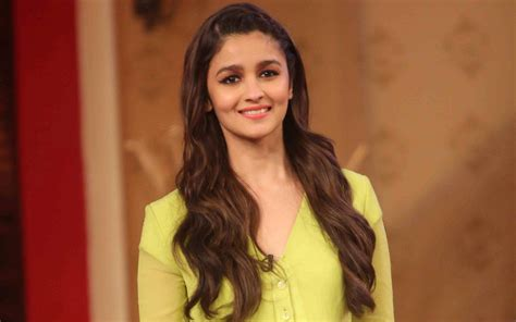 Interior Design Quotes by Beautiful Alia Bhatt Smile Face Hd Wallpapers Rocks