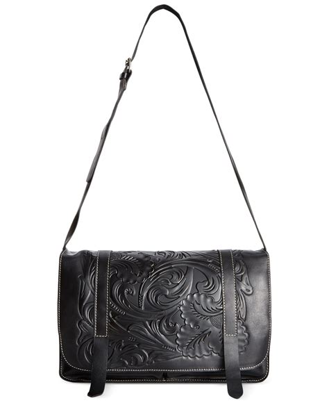 Mj Snap Sling Bahan Taiga With Strab nash tooled taranto messenger bag in black lyst