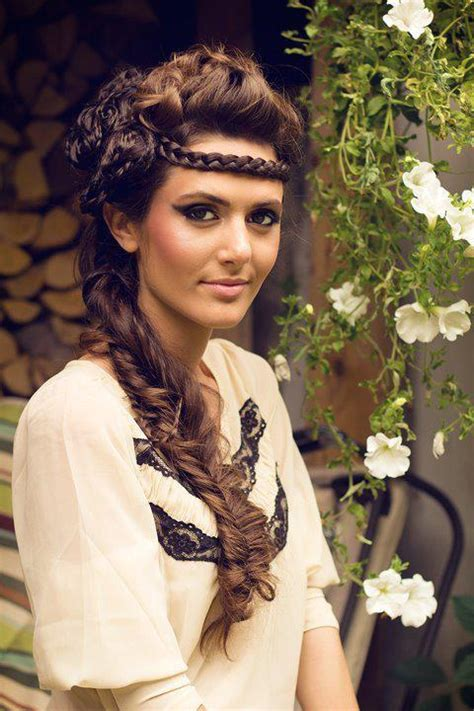 Fairytale Hairstyles by Fairytale Hairstyles Fall In With Braided Hair