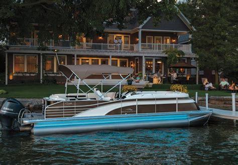 images of luxury pontoon boats q series luxury pontoon boats by bennington
