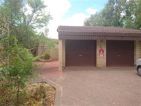3 bedroom house to rent in bloemfontein property and houses to rent in heuwelsig bloemfontein