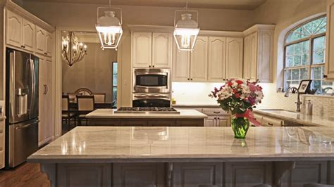 Kitchen Island Accent Color Painted And Glazed Kitchen Cabinets With Island And Bar