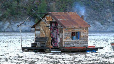 fixer upper house boat pin by amy henbest on tiny houses and treehouses cers