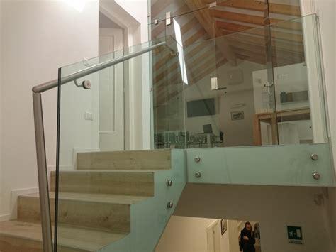 corrimano in vetro per scale bettega ennio carpenteria prodotti corrimano in vetro per