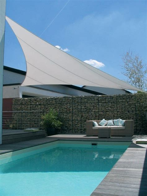 sonnensegel pool sitzecke gabionen mauer modern terrasse