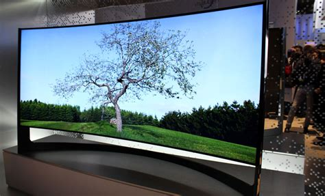 Tv Samsung Curved Uhd samsung s bendable tv will launch in 2014 review flatpanelshd