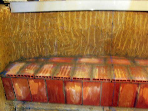 bancos de obra foto banco de obra en una bodega de ionut claudiu