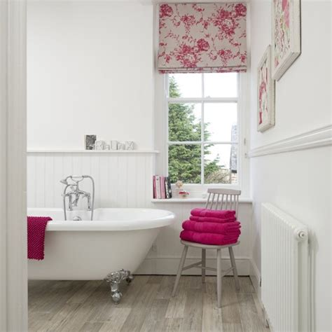 bathroom blind ideas window step inside this country bathroom housetohome co uk