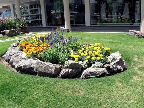 Rock Garden Ideas Of Beautiful Extraordinary Decorative Small Garden Rockery Ideas