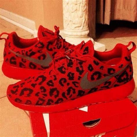 nike cheetah sneakers shoes nike nike roshe run leopard print nike